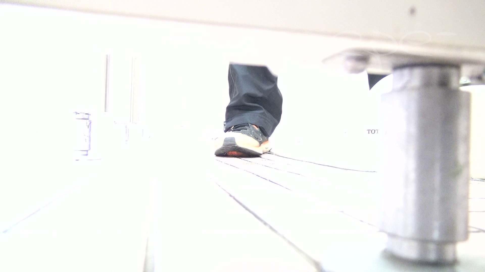 ▲期間限定D▲至高洗面所盗撮 25 至高の下方撮り!!若さ溢れる体育館編2!! 洗面所着替え | 盗撮エロすぎ  70連発 66