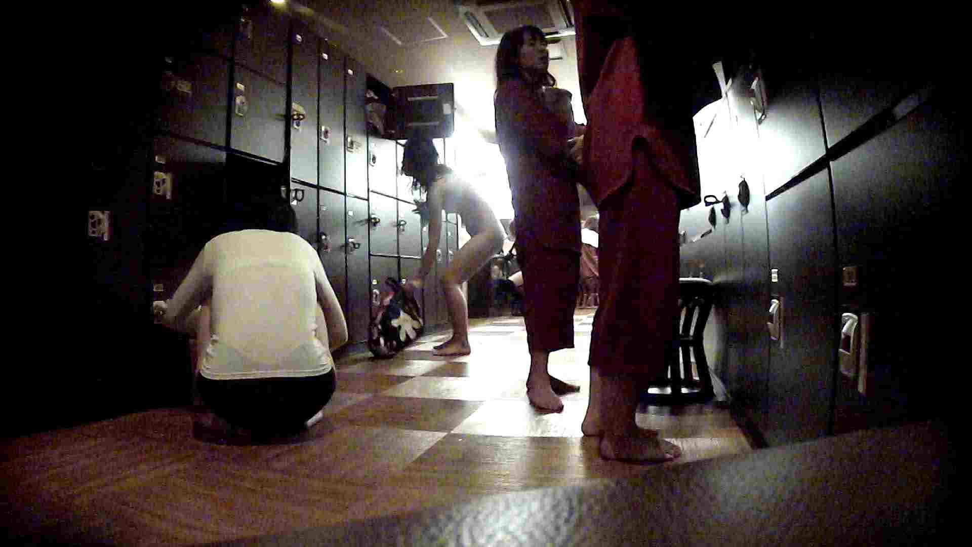 脱衣所!オムニバス 大混雑!注目はあの人の御御足でしょう。 潜入エロ調査   銭湯  51連発 10