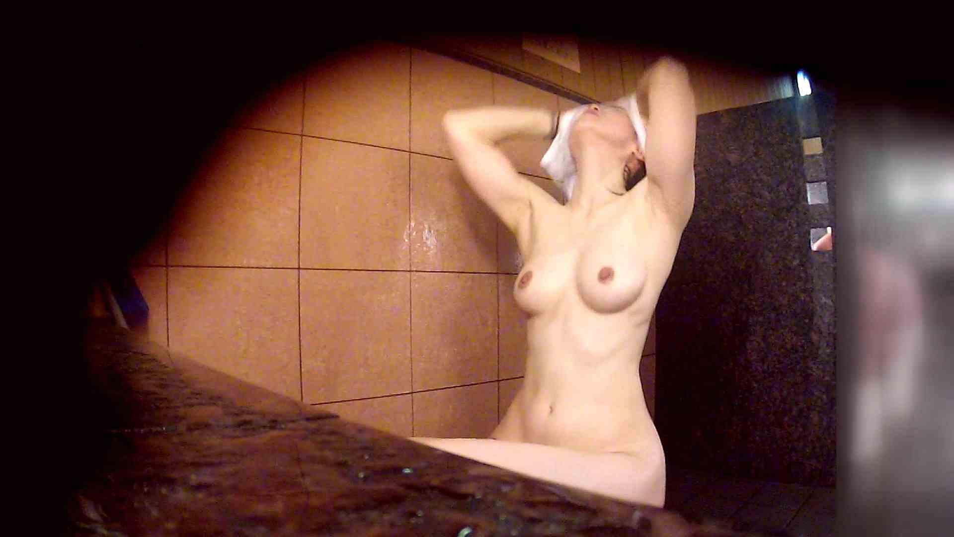洗い場!マッスルお嬢さん!でもオッパイだけは柔らかそうです。 銭湯   潜入エロ調査  53連発 13