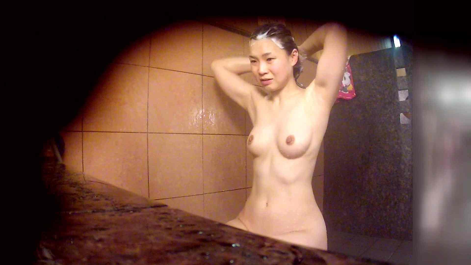 洗い場!マッスルお嬢さん!でもオッパイだけは柔らかそうです。 銭湯   潜入エロ調査  53連発 23