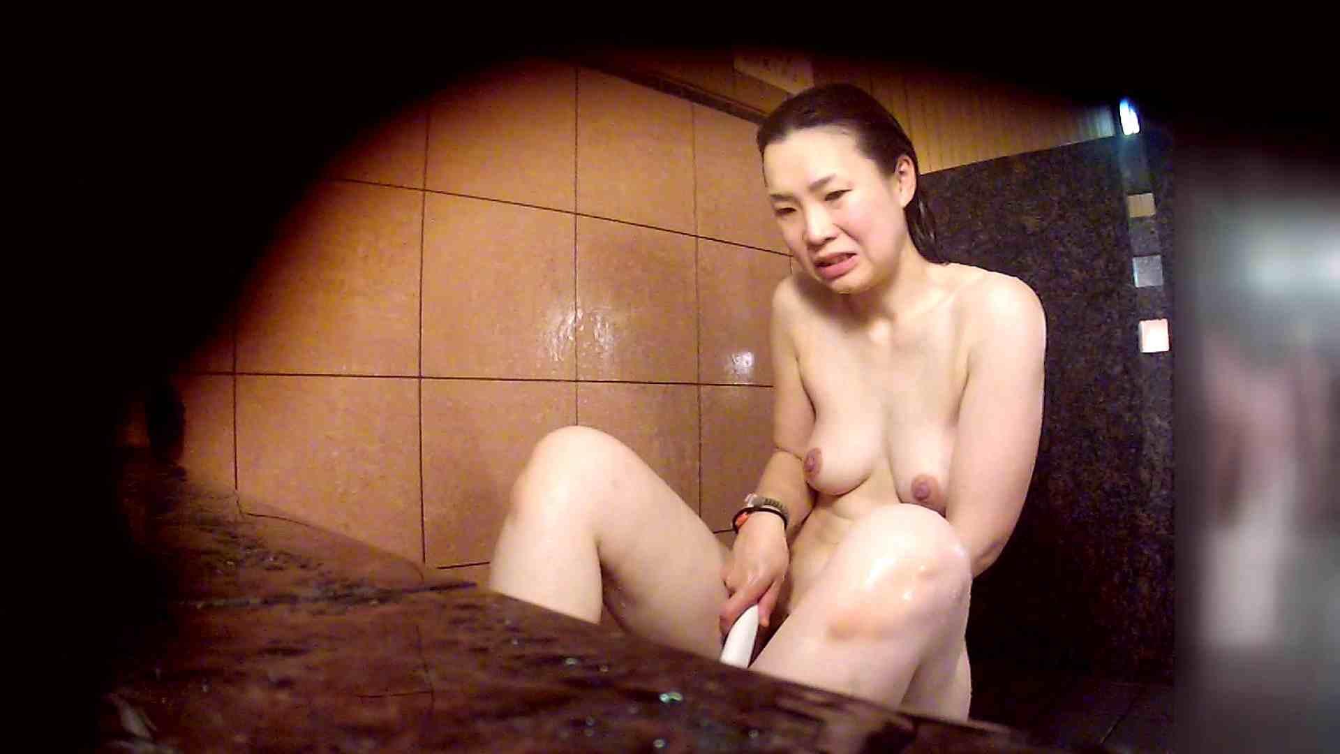 洗い場!マッスルお嬢さん!でもオッパイだけは柔らかそうです。 銭湯   潜入エロ調査  53連発 42