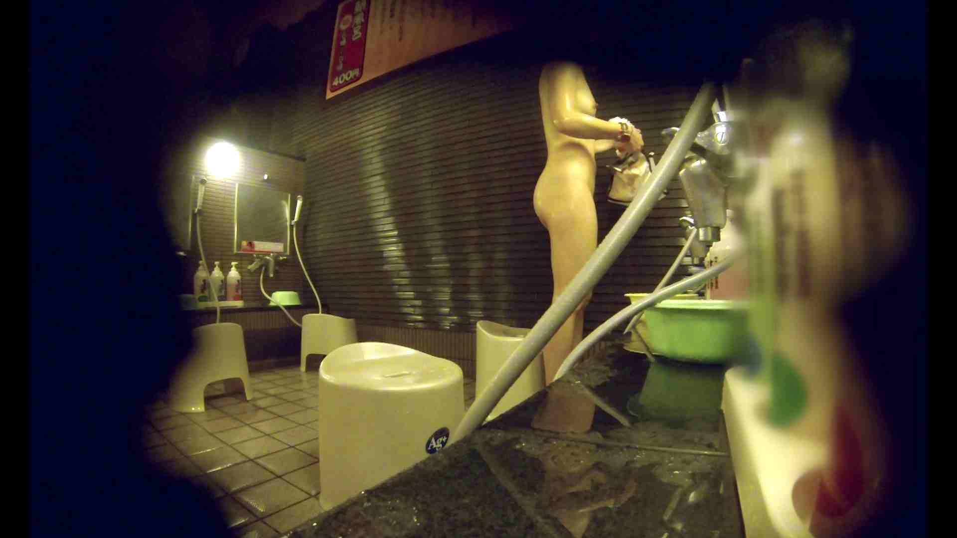 洗い場!しかし・・・綺麗な顔をしてますね。結婚したいな。 潜入エロ調査 | 銭湯  72連発 4