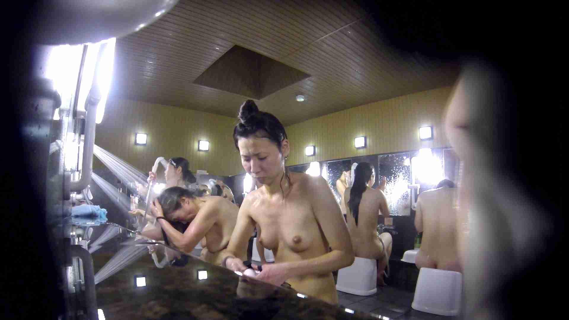 洗い場!だんご結びのお女市さん、色素が薄いです。 銭湯 | 潜入エロ調査  77連発 21