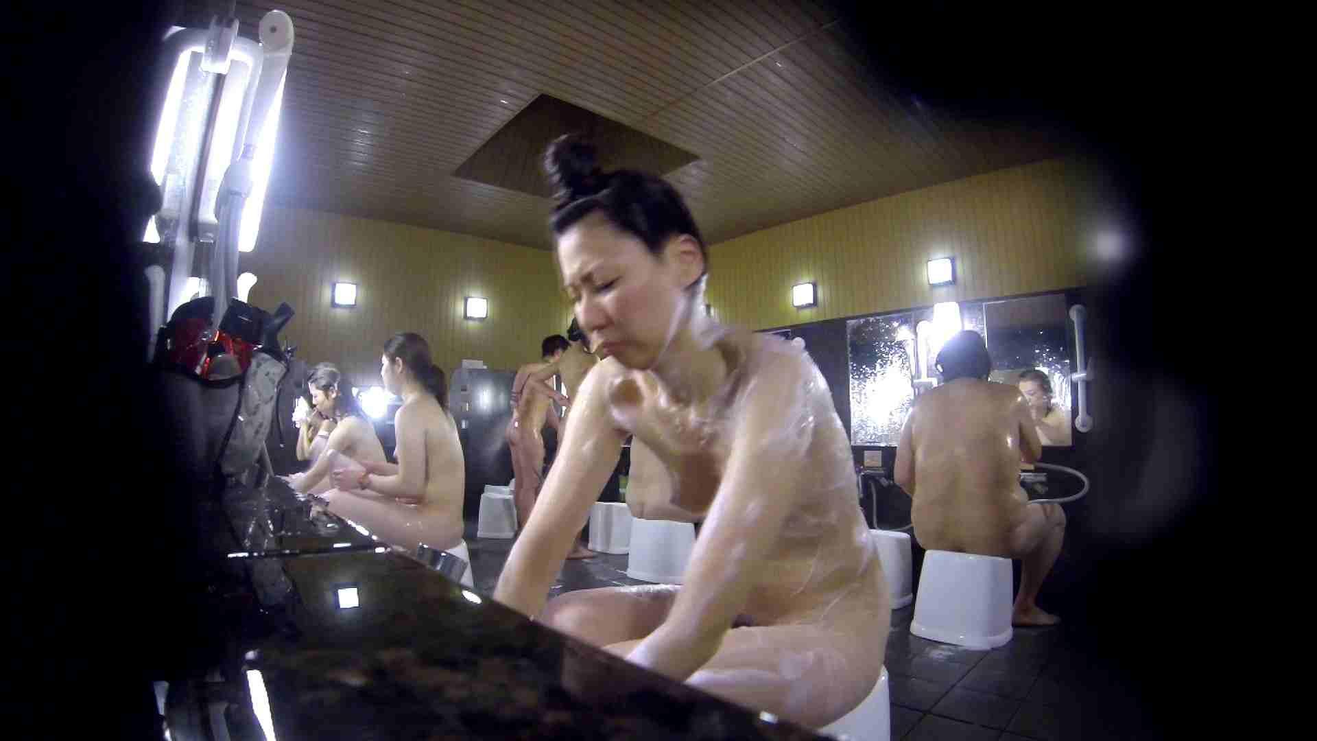 洗い場!だんご結びのお女市さん、色素が薄いです。 銭湯 | 潜入エロ調査  77連発 61