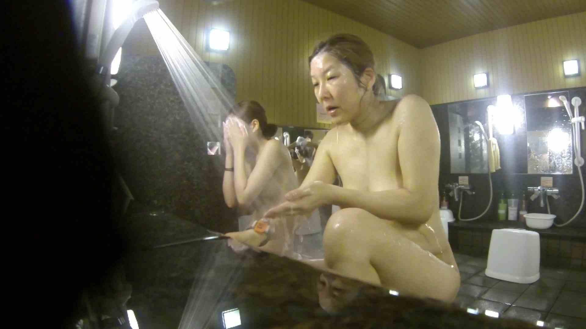 洗い場!崩れかけ?いや、崩れてます。。。 銭湯 | 潜入エロ調査  20連発 1