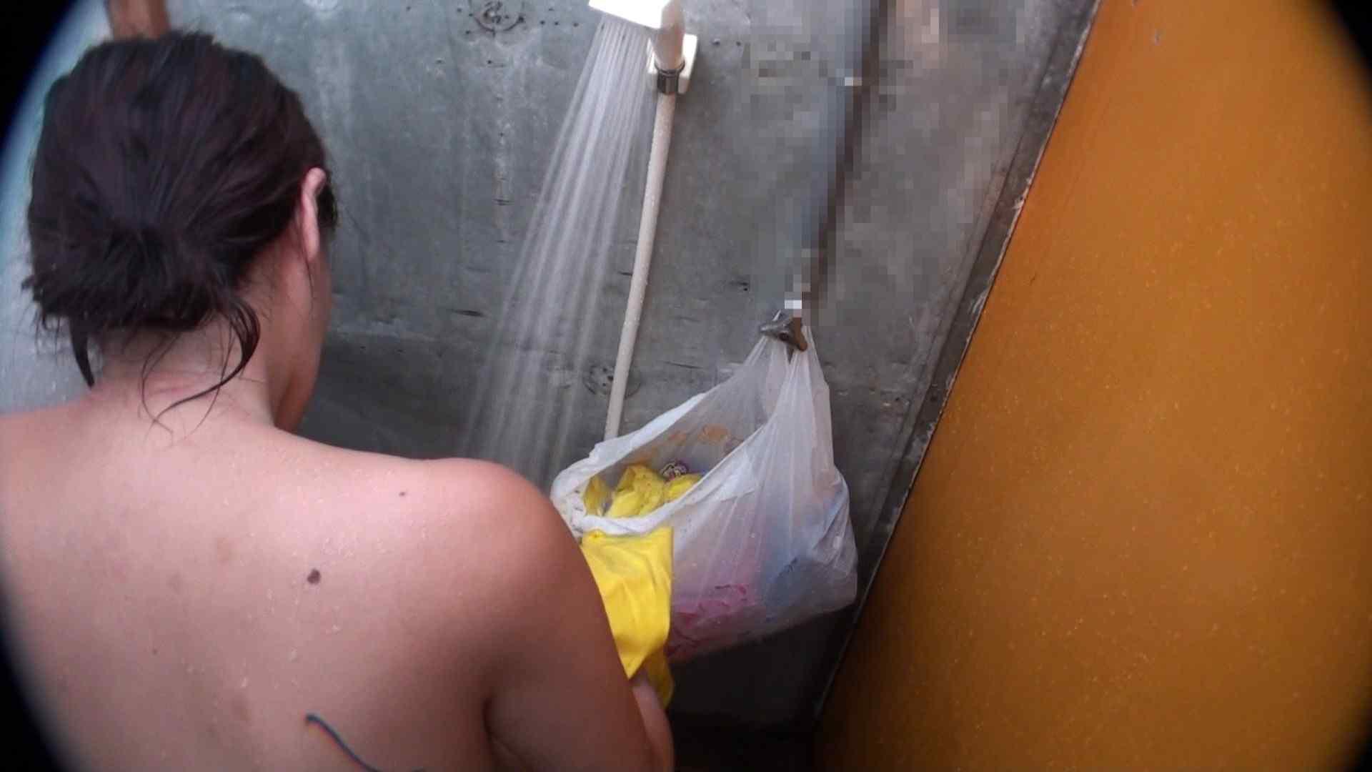ハイビジョンVol.31 清楚なママのパンツはティーバック シャワー中 | OL  58連発 18