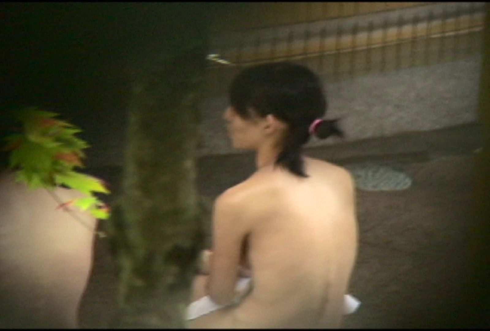 No.2 地味な2人、共に理想的な胸ですよ・・・しかし地味だ 美女達のヌード | 露天風呂の女達  67連発 41