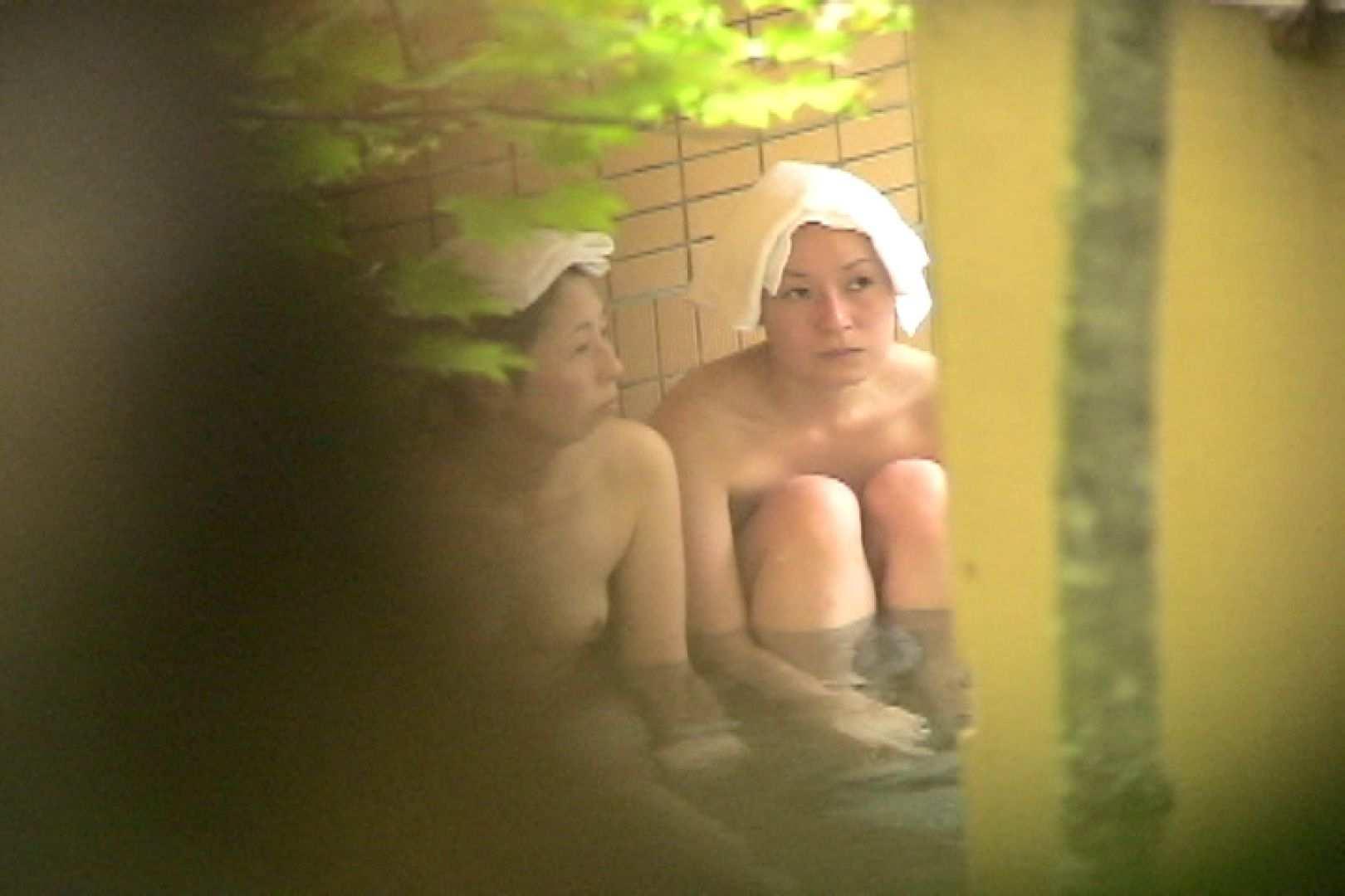 No.9 学生時代からの親友です的OL仲良し二人の少し弛んだ肉体 OL   露天風呂の女達  24連発 11