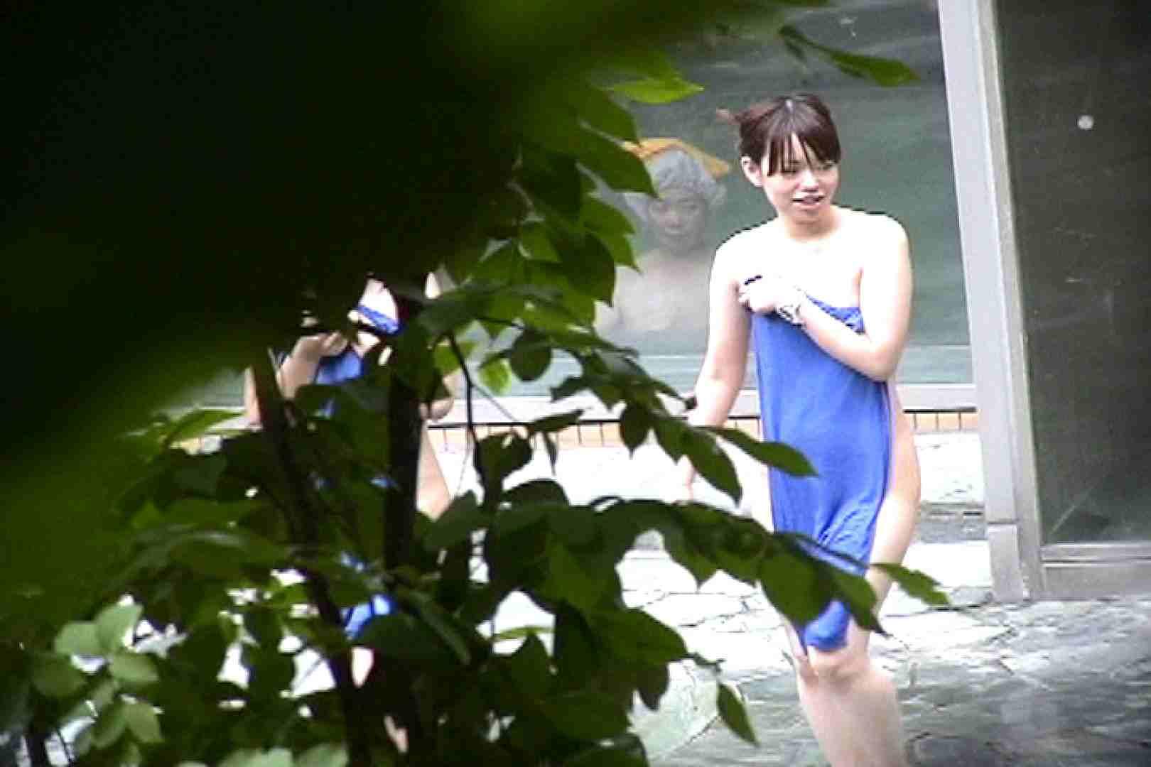 No.17 青い二人 美女達のヌード   露天風呂の女達  79連発 1