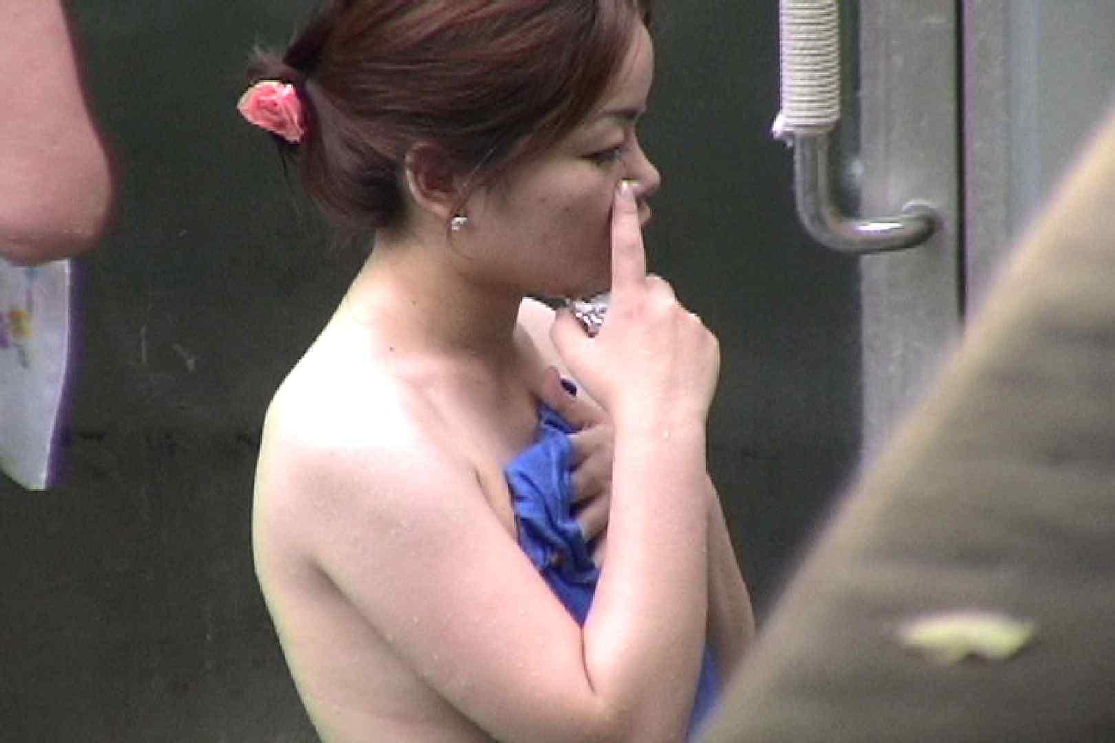 No.17 青い二人 美女達のヌード   露天風呂の女達  79連発 79