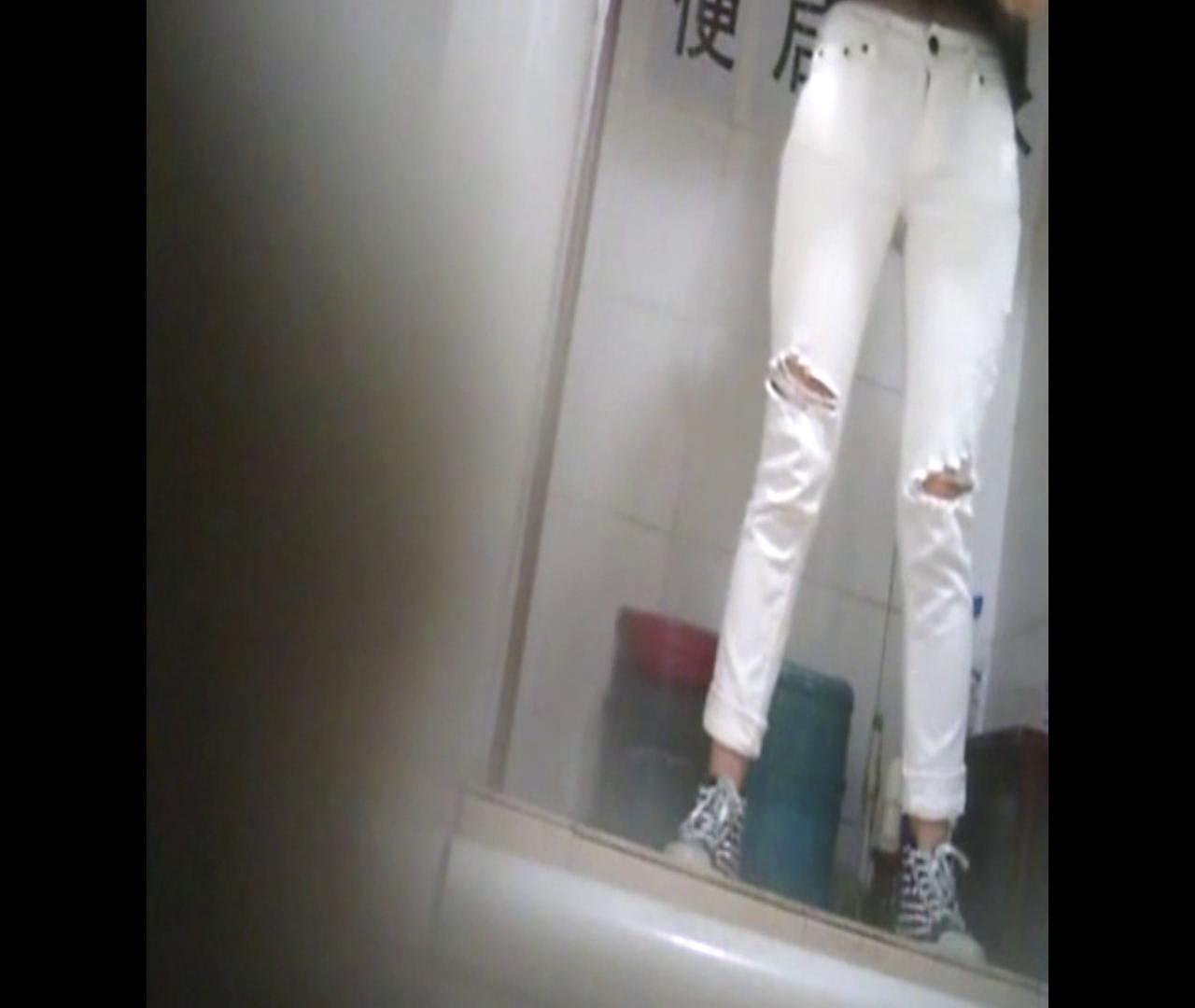 Vol.47 二度目の登場!絶対白いズボンの時は・・・ 洗面所着替え | 全身丸見え  30連発 5
