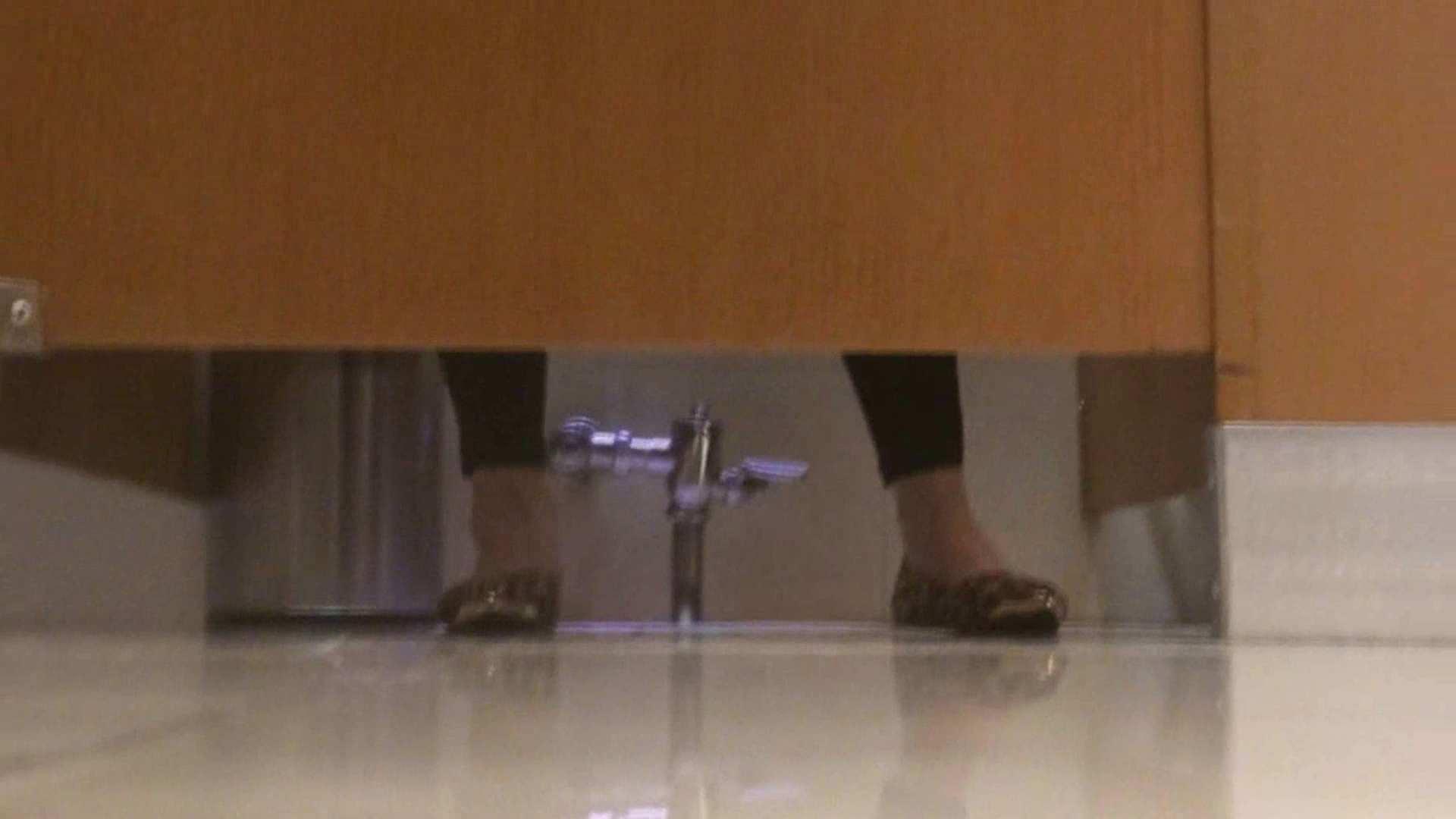 隣国化粧室下から御免!! No.09 美女達のヌード | 洗面所着替え  25連発 25